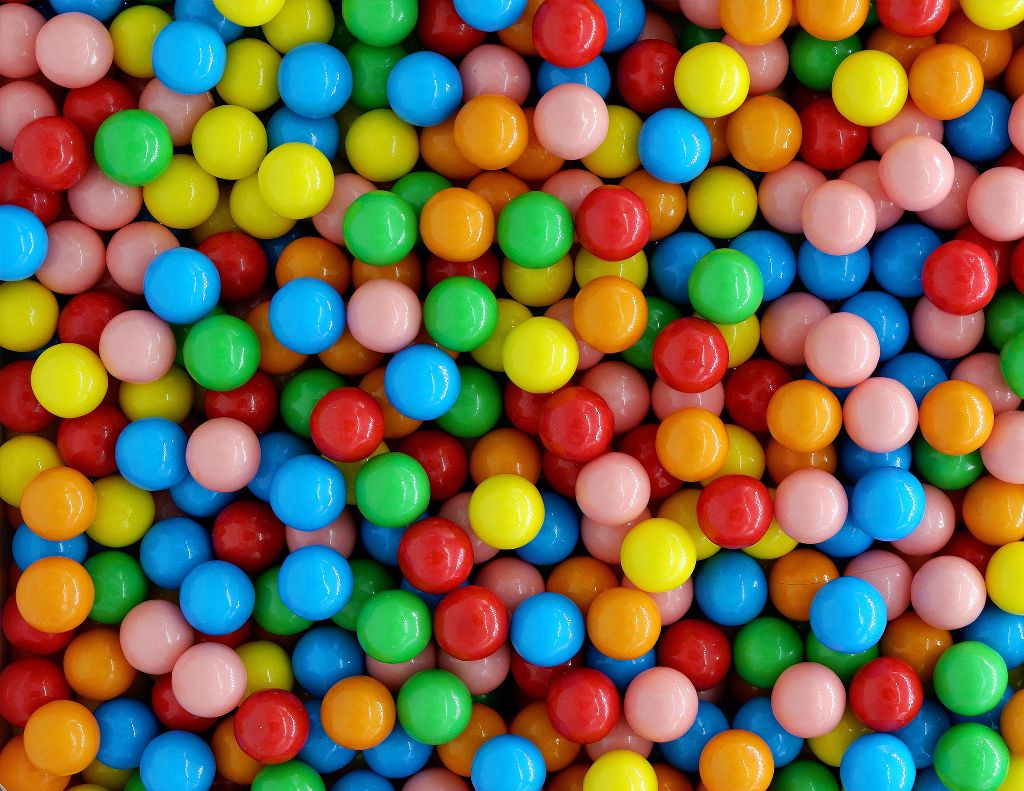 Have some fun and add yourself onto this background! Unsplash (Public Domain) #sweets #yummy #colorful #background #backgrounds #freetoedit