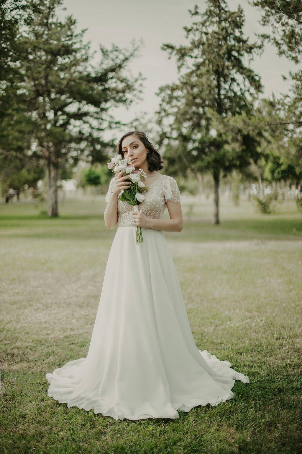 Bride 🥰 #freetoedit #bride #photo #green #wedding #love