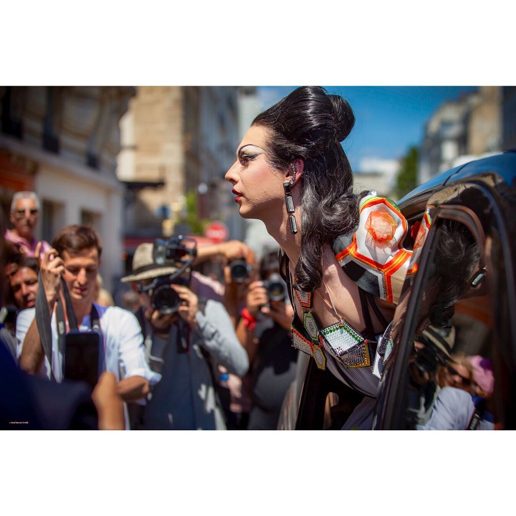 """The """" Divas"""" , Miss @violetchachki attending to JPG couture show fw20 #parisfashionweek #hautecouture #fw20 #lgbt #diva #stylelife #fashion #style #outfit #streetphotography #streetsnap #colors #inthemoment #nofreephotos #allrightsreserved #faridbernatortells"""