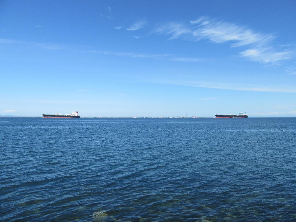 #mypic #bluesky #water #ships #freetoedit