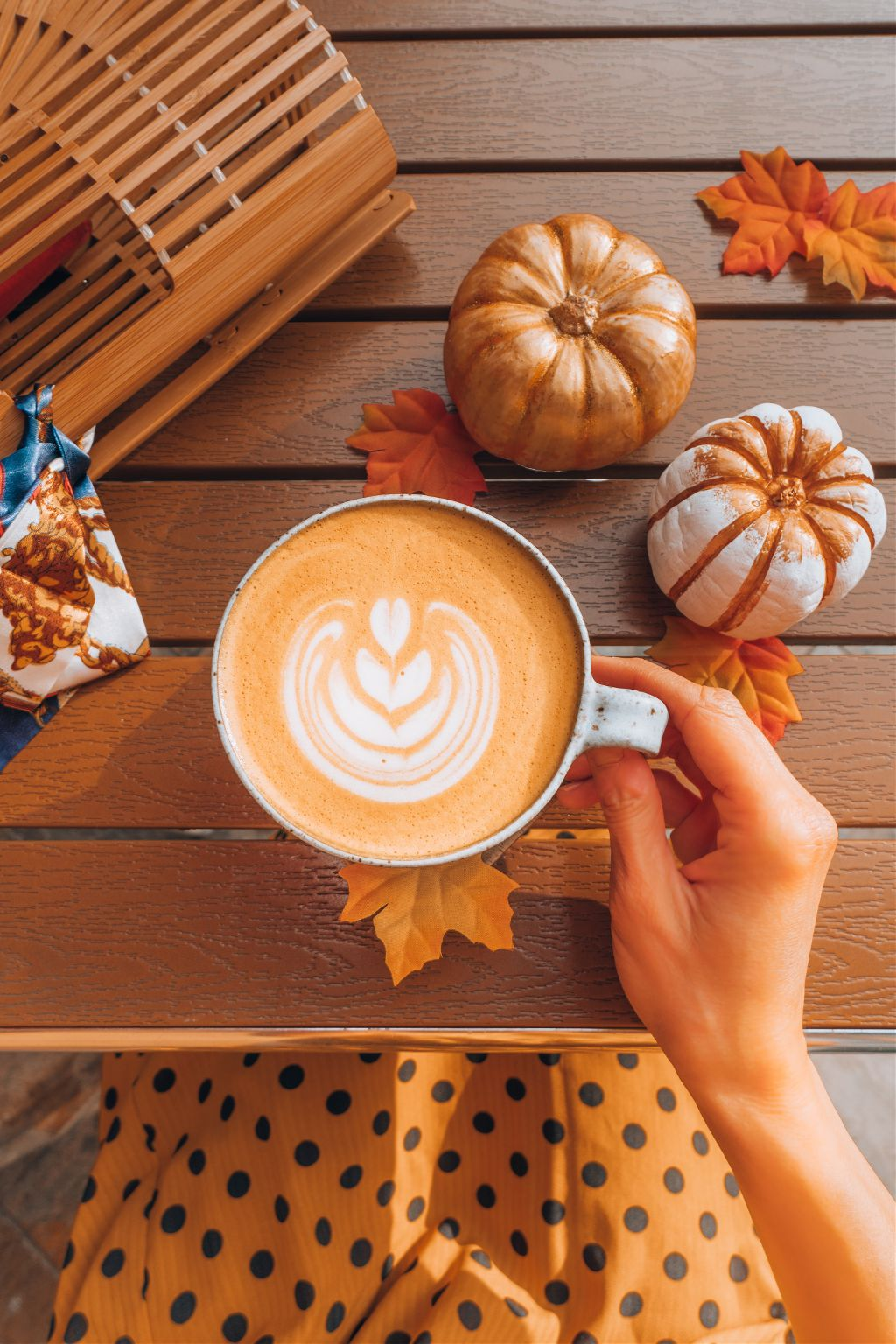 Let this image be your canvas. Unsplash (Public Domain) #autumn #fall #coffee #cozy #freetoedit