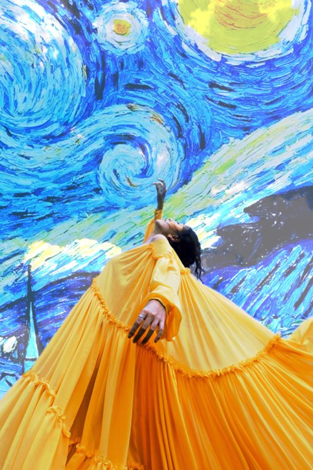 #freetoedit #vangogh #vangoghart #vangoghinspired #touchthesky #yellow #blue #girl #contest #sky #art #photography #remix #edit #tocandoelcielo