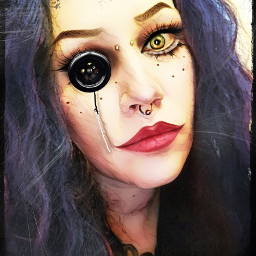 geneticgarbitch bizart doll button eye