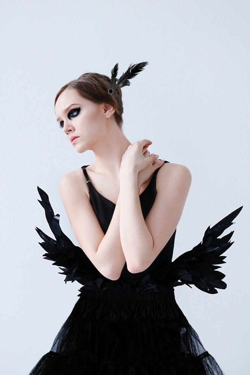INSTAGRAM: @margo34277 YOUTUBE CHANNEL: Margo Picsart 💞 #freetoedit #girl #outfit #tutu #ballet #dance #black #dark #cisne #makeup #eyeshadows #plumas #joyas #disfraz #costume