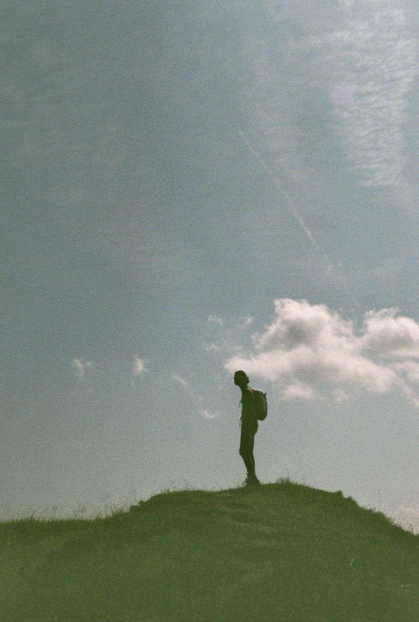 On the top with my anlaog camera  #analog #happy #mountain #sky #guy #boy #hiking #girl #photography  #sunny #summer #alps