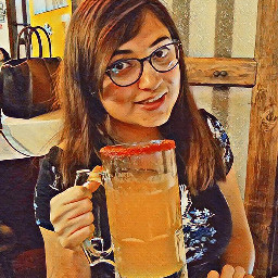 beer girl night tarro cerveza