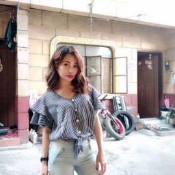 woman pose selfie notmyhome serious