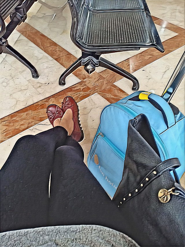 #freetoedit at the airport .. waiting for the next flight 💃