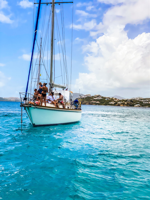 #sail #sailing #sailboat #boat #boatlife #catamaran #people #ocean #caribbean #sea #bluesky #sky #clouds #water #landscape #landscapephotography #travel #freetoedit