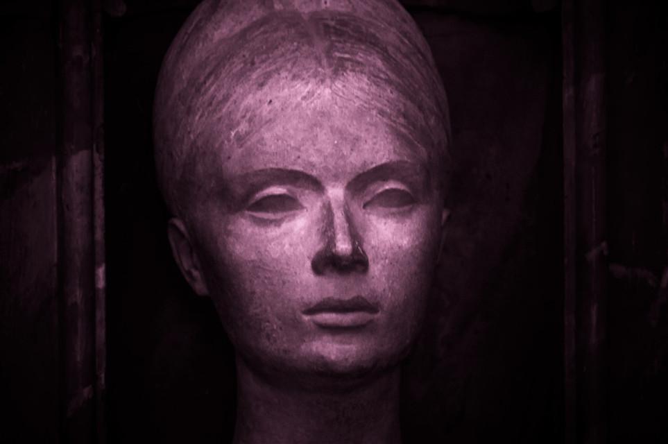🌬️𝚎𝚝𝚎𝚛𝚗𝚊 . . . #head #sculpture #stone #womanface #bust #womanbust #andalucía #photography #city #art #córdoba #lightroom #lightroomphotography #lightroomedits #city #LaCulturaEnCórdobaNoSePara #freetoedit