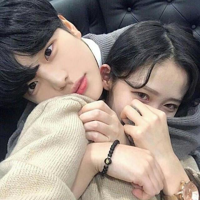 "I missed you so much kiki-!💕  @lee_hyunki (my everything💕)  {Milkshake💫}  @milkshake_off   @park_jojo_lee (Jojo) @kimnahee_official (Nana) @katspotlight (Kat) @im_suni (Suni) @_min_haneul_ (Haneul) @choonhee_ (Choonhee) @yeon-mii (Yeon-Mi/Me)   Taglist: @hyoyeon_x_x (my brother💕) @lee-yoonji  @sunshine-cxtie (my tropa😂💕) @lenaa_official  @lee_jeon (the moon🌚😂) @jong___woo_badboy  @kim----kim  @kim_uonsoo  @i_am_zoo  @_bunny_kim_ (my lil sis 💕) @newlav_lovelly (my daughter💕) @official_ch3rry  @ej-yun  @itsssss-eunyeon  @minju__official @son-hwamin @choi_heechu  @choonhee_  @_angelic-rosie_  @lee_seoho @btsarmajk @-yeonaaa- (my bestie💕) @lost_jungwoo @sam_sks @x_yeon97_x @ffj_74_bts @_9li3 @i_am_zoo @official_yeon @choi_jae- (my bestfriend 💕😜) @kim_han_  @min_jun_e  @kim_jiyeong_  @shin_siyeon  @sree_jita  @varyseics  @kadijach_erif2007   Dm ""💫"" to be added  Dm ""💢"" to be removed  Dm ""❤"" if you changed your username  #ulzzang #ulzzangcouple #rp #roleplay #koreanroleplay #yeonki"