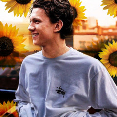 lovely_tomholland