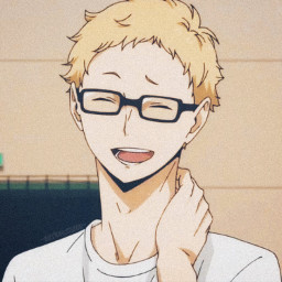 haikyuu tsukishima tsukishimakei animeaesthetic animeboy yellow profilepic profilepicture anime animeicon icon aesthtic pfp freetoedit yellowaesthetic