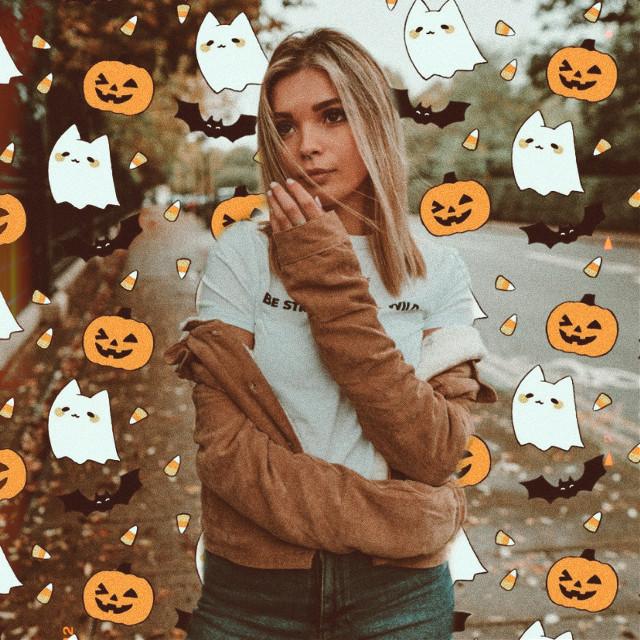 #picsarthalloween #halloween #halloweenspirit #emoji #emojibackgrounds #spooky #halloweenemoji
