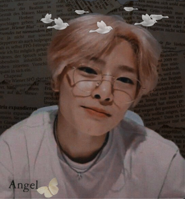 Jeongin, our angel 😌 I thought about doing a devil theme on him, but I decided not to because he has so many pictures of him being cute. Yeah thats kinda how i decided on most of them 😂  #jeonginstraykids #straykidsedit
