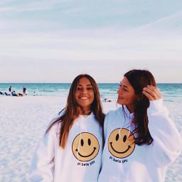 freetoedit beach friends smile beachday aesthetic