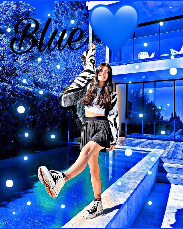 Hi, I'm a fanpage for Charlie💙✨ this is my first post🦋😁 #charlidamelio #firstpost #blue
