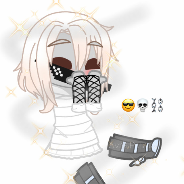 Hewo sorry for late posting I have changed from physically going to school till just homeschool 😔  This is for @-claxre__ !!! I hope you like it!   I have no idea why it turned out to be a ghost looking person, I was trying tge idea of making it more like skeleton...? 😬✋ Anyways *sips tea* 🍵  I HAVE 3 TESTS NEXT WEEK!!! MaTh, mUsIC AnD GErmAN!!! Licky they are all at home tho UvU      @_mooberruwu_ @jessiebear2020 @psychic_friend_fred @-_kyoto_- @kittykittymowmo @-claxre__ @-_creepypasta13_- @-_bxby_angxel_-   #newoc #emojiwithglasses #skeleton #chains #ghostlookingcreature #sparkles #sipsteaviolently #paleskeletonoc #avaspotatoedits