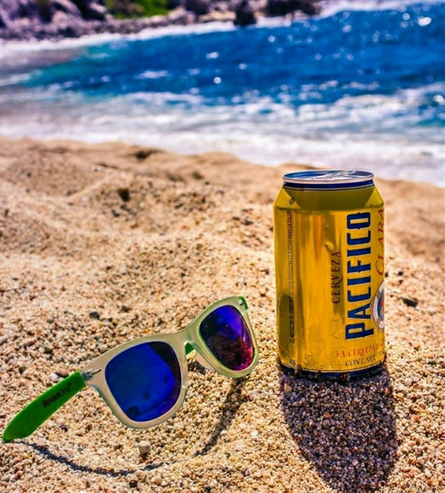 Beer and beach... cerveza pacifico o Corona o victoria ..cualquier cerveza en la playa #beach beach #pcmyfavoritedrink #beachtime  #myfavoritedrink #myphoto  #fondos  #myphotography   #photographer  #naturalbeauty    #heypicsart  #picsarteffects  #wallpaperedit  #picsartphoto #picsartedit   #travel #naturephotography #backgrounds #backgroundchange  #colorfulbackground  #backgroundedit   #pcmyfavoritedrink #myfavoritedrink #pcmyfavoritedrink #myfavoritedrink