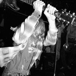 kurtcobain guitar nirvana nevermindalbum nevermind davegrohl kristnovoselic grungebands grunge 90saesthetic 90s