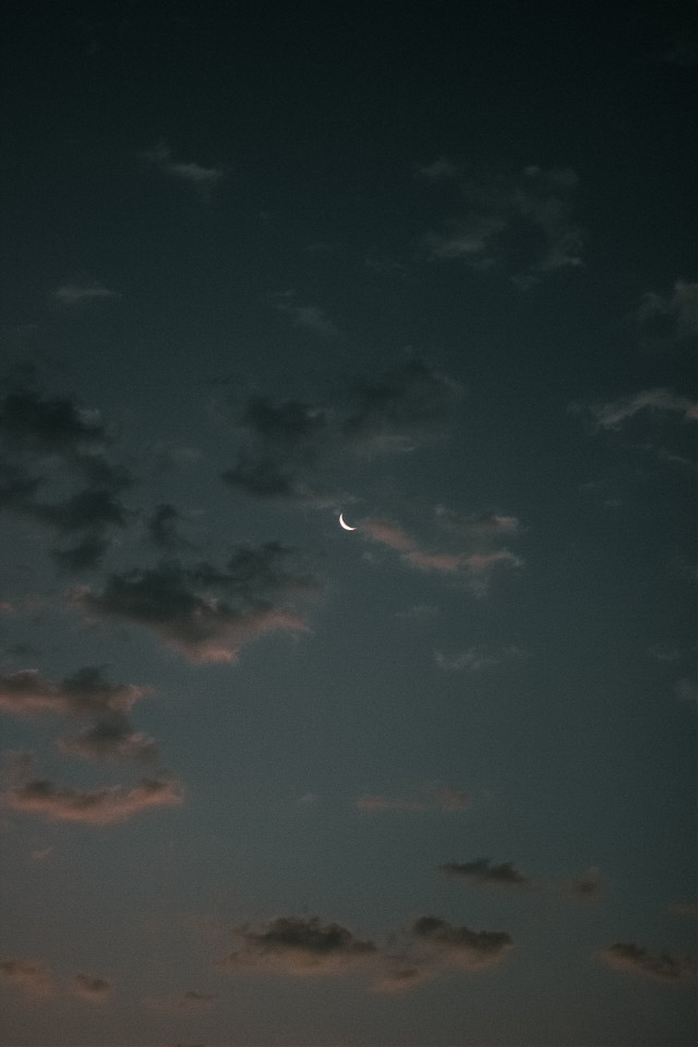 See things differently. Unsplash (Ali Choubin) #moon #sky #cloud #clouds #background #backgrounds #freetoedit