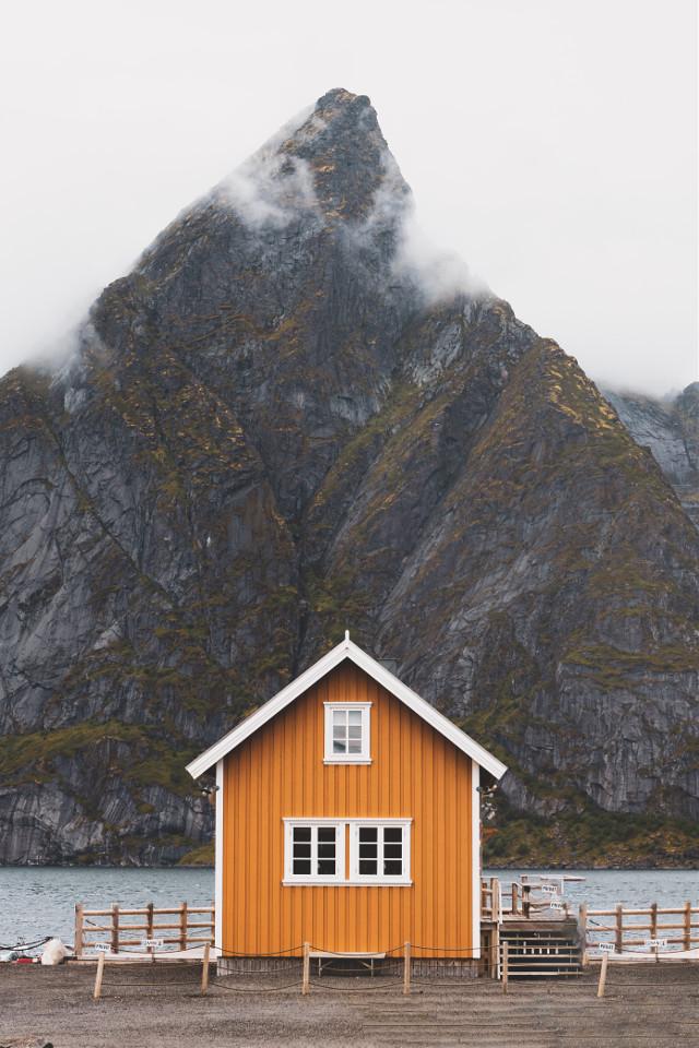 See things differently. Unsplash (Gwenn Klabbers) #house #mountain #cottage #unsplash #freetoedit